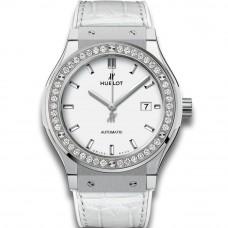 Hublot Classic Fusion White Titanium Diamonds 581.ne.2010.lr.1204